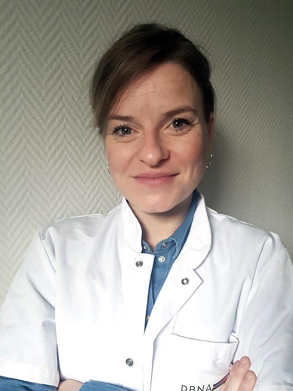 Dr. Laura DUMINIL